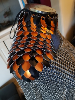 Large aluminium scales, fabric choker